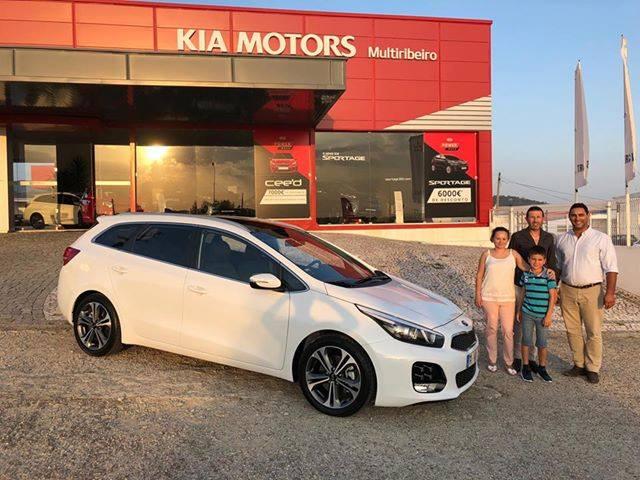 A Isabel e o Hugo encontraram no Kia Ceed SW GT Line a viatura ideal para a sua família.